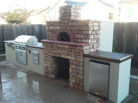 Outdoor Kitchen Pizza Oven Design by Decor Tips Patio Design Ideas With Outdoor Kitchen And