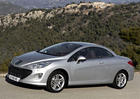 peugeot cars uae peugeot 308 cc 3008 rcz in uae debut drive arabia