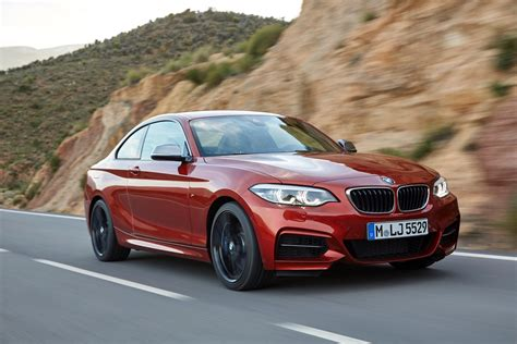 Bmw 2er Coupe by World Premiere Bmw 2 Series Coupe And Convertible Facelift