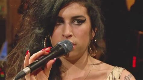 amy official movie site in theaters this july amy winehouse documentary in the works abc7 com
