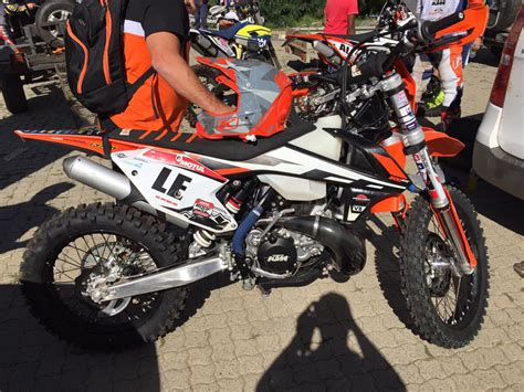 Ktm 300 Fuel Injection Enduro21 Photos Of Ktm S Fuel Injection Two Strokes