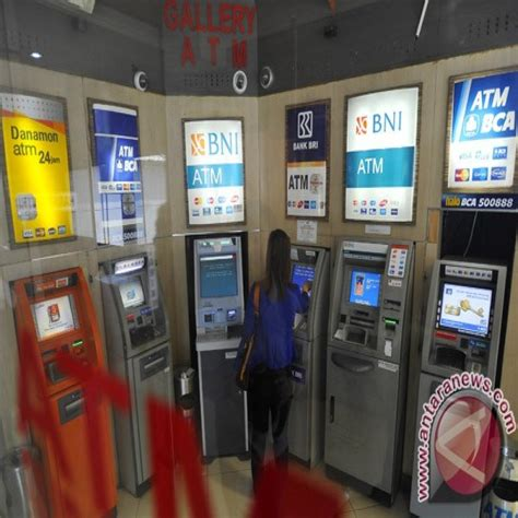 bca atm bca says 5 700 atms affected by satellite shutdown