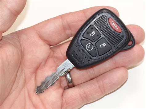 Replace Jeep Key Battery How To Replace The Battery In Your Jeep Wrangler Key Fob