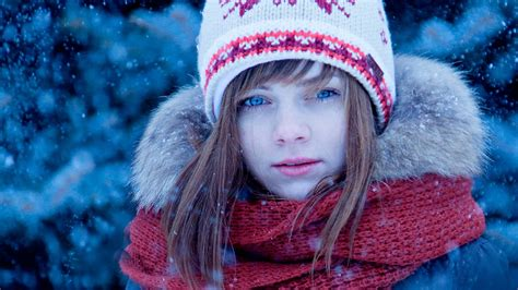 wallpaper girl young blue eyed teen girl wallpapers and images wallpapers