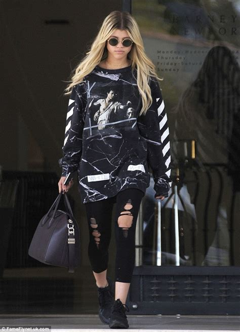 Fashionista Richie by Sofia Richie Cuts Casual But On Trend Figure In Chic