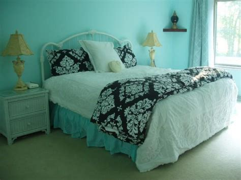 blue black and white bedroom black white and tiffany blue bedroom bedroom ideas pictures