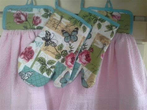 Kitchen Towels With Velcro Set Of Velcro Hanging Dish Towel Pot Holder And One Oven Mitts