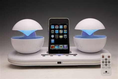Phone Charging Stations by 10 Cool And Innovative Docks To Charge Your Iphone Ipod