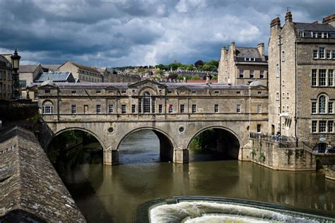 pulteney bridge bath uk tourism accommodation