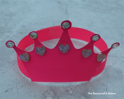 craft crown pictures queen s crown kid craft the resourceful mama