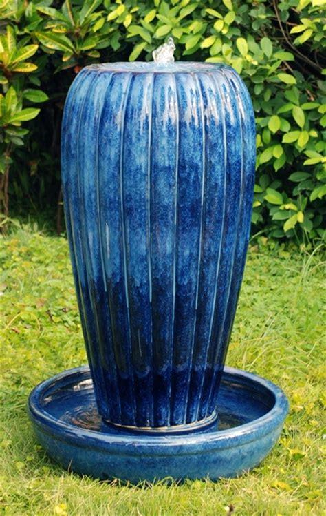 keramikbrunnen garten keramik brunnen quot yasmin quot mit led beleuchtung 419 99