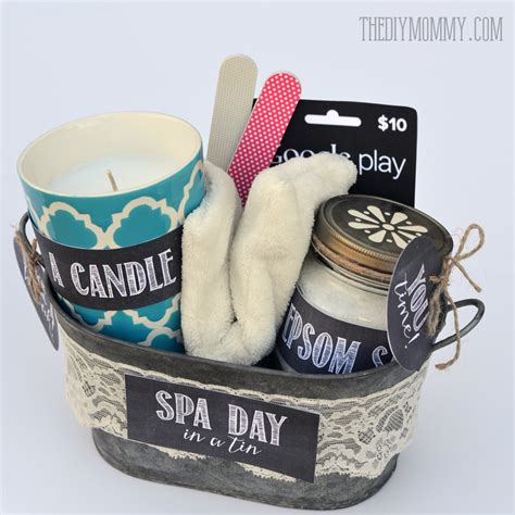 diy gifts for mom 20 heartfelt holiday gifts basket