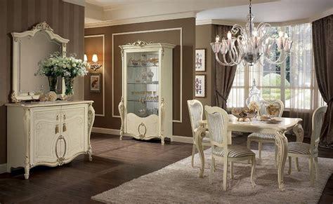 sale da pranzo classiche vetrina in stile disponibile con 1 2 o 3 porte per sale