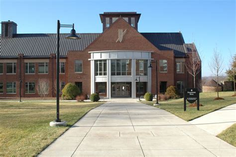 schools nashville tn ensworth high school