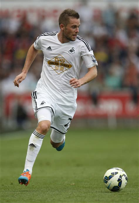 gylfi sigurdsson pictures swansea city v southton
