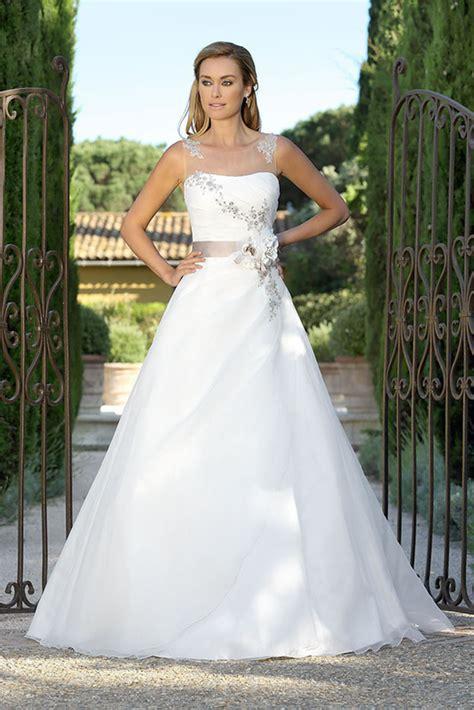 Brautmode Hochzeitskleider by Brautmode