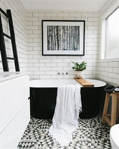 black and white bathroom tiles ideas best 25 black white bathrooms ideas on white