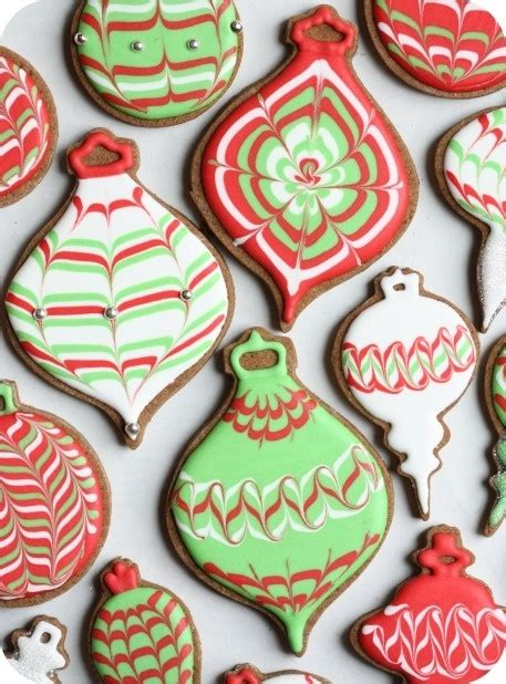 Best Icing For Decorating Cookies by Decorating Cookies With Royal Icing Tutorial And