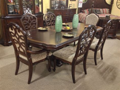 flemingsburg  piece dining room set ashley furniture  tricities traditional classic