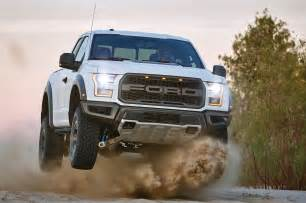 2017 ford f 150 raptor makes 450 hp at 16 mpg