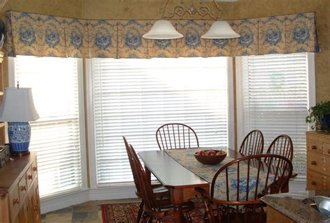 Valances For Bay Windows In Kitchen Bay Window Treatments In The Kitchen