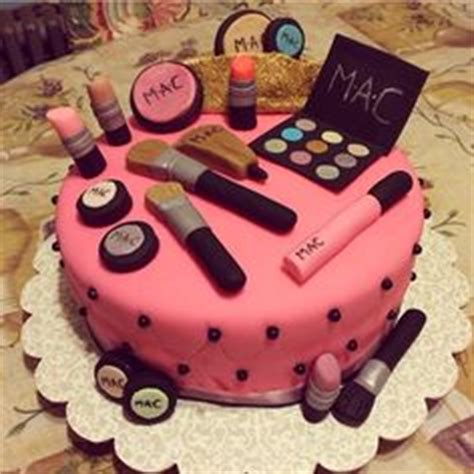 different cakes on pinterest purse cakes chanel purse and cakes