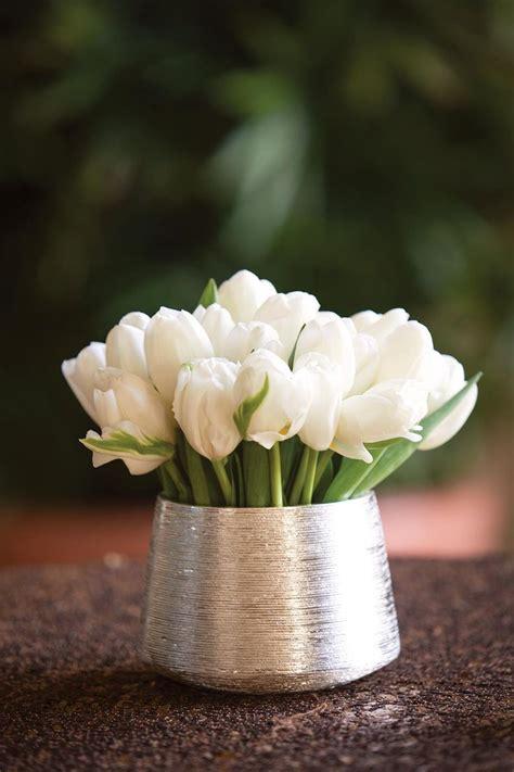 small centerpiece ideas best 25 white floral centerpieces ideas on