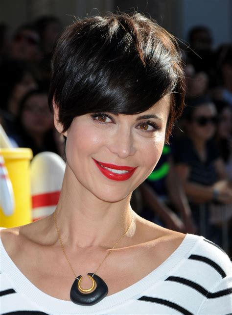 recent celebrities to cut their hair catherine bell at disney s planes premiere in hoolywood