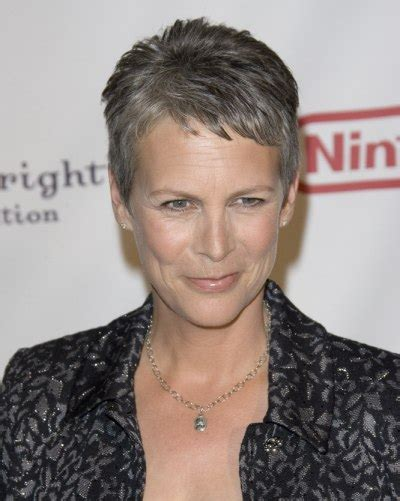 how to get the jamie lee curtis haircut jamie lee curtis with silver hair classy and very short