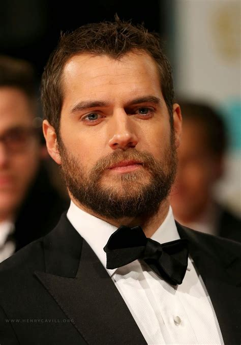 henry cavill superman beard henry cavill news henry cavill looking sharp in his tux