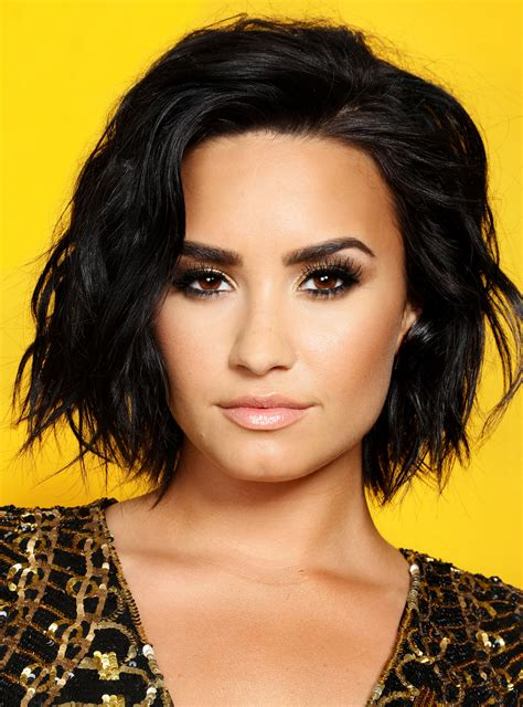 demi bob styles demi lovato just got the perfect late summer hair color