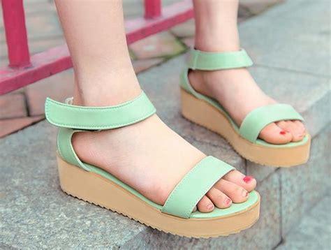 Sepatu Platform mengungkap kepribadian wanita dari sepatunya danitailor