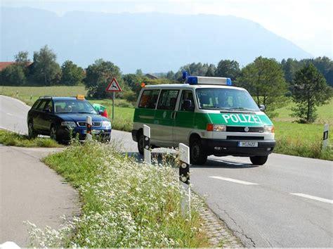 Unfall Motorrad T Dlich by Motorradfahrer Kollidiert Mit Auto Und Erliegt Schweren