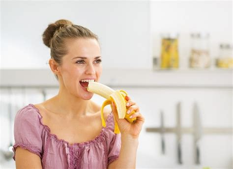 is it bad to eat a banana before bed health benefits of bananas for a super healthy skin and body