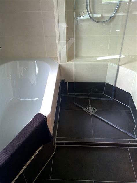 Kleines Badezimmer Mit Dusche Und Wanne by Dusche Wanne Bad 052 B 228 Der Dunkelmann