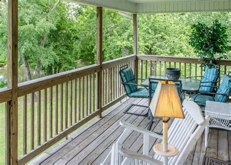Chalets In Pigeon Forge by Pigeon River Chalet Chalet In Pigeon Forge W 3 Br Sleeps10