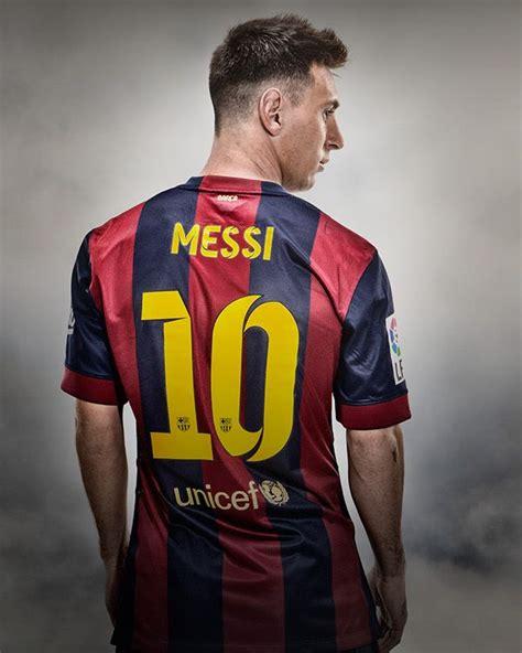 Jersey Sepakbola Barcelona L 10 Messi lionel messi hij voetbalt bij fc barcelona hij is erg goed en staat bekend als la pulga