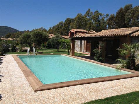 con piscina villa con piscina sardegna residence sul mare regamma