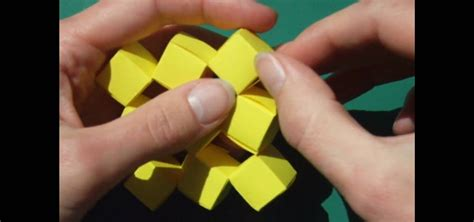 Moving Cubes Origami - how to craft origami moving cubes without glue
