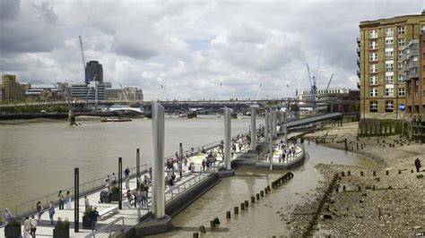 thames river bank bbc news in pictures london s floating park along the