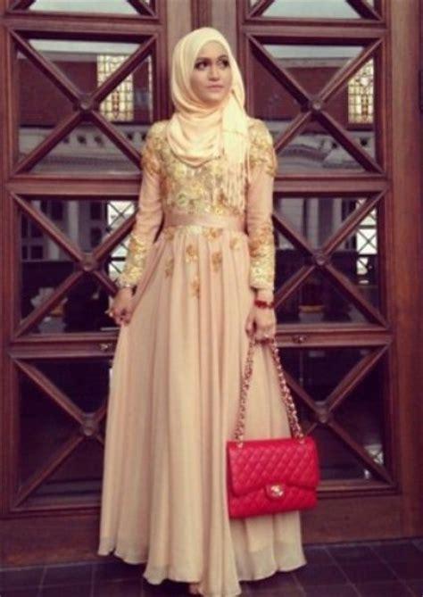 model baju wisuda muslim modis graduation dress
