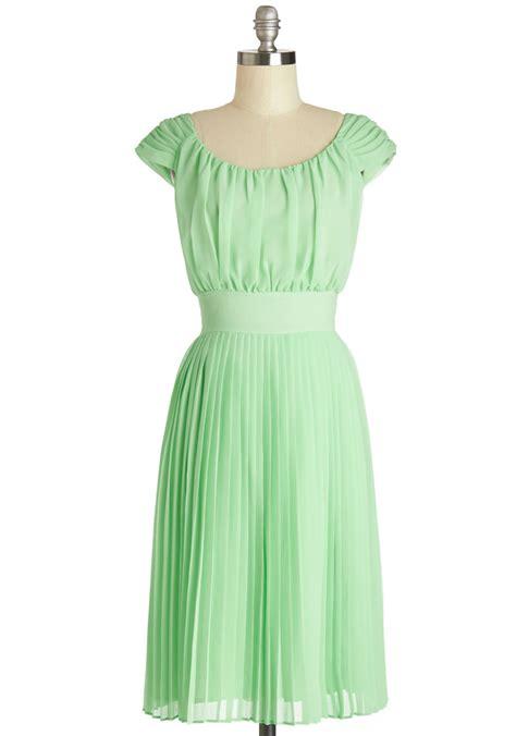 Sale Stock Dress 590 walking by the water dress in mint mod retro vintage