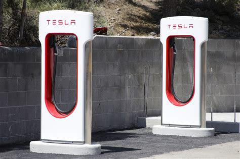 Free Tesla Charging Stations Detroit Tesla To End Unlimited Free Use Of Supercharging