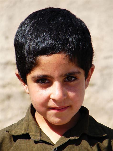 file iranian boy isfahan iran 06 30 2006 jpg wikimedia commons
