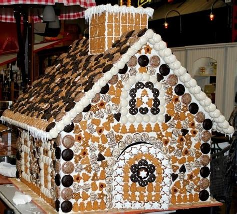 cool gingerbread house designs 2014 01 27 170338 700x631 385kb gingerbread house ideas pinterest posts cool