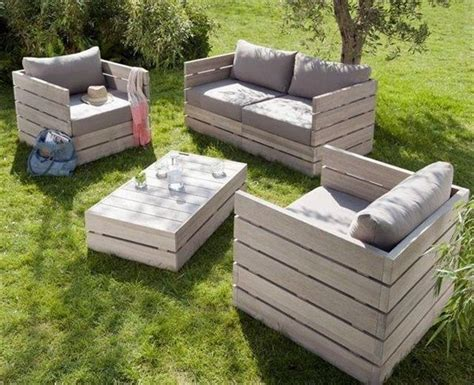 Diy Patio Furniture Out Of Pallets by Best 25 Pallet Outdoor Furniture Ideas On Diy