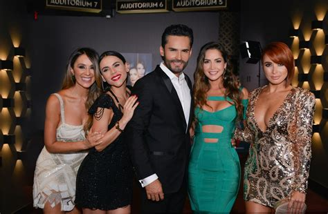 majida issa submited images cast of telemundo s series sin senos si hay paraiso