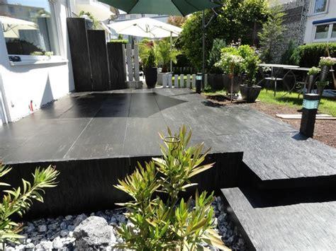 terrassenboden ideen terrasse mit stufen zum garten