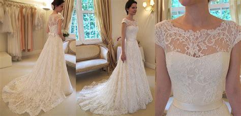 Vestido de Noiva com Manga Curta   Peguei o Bouquet