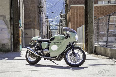 Sage Rage Triumph Thruxton   Return of the Cafe Racers